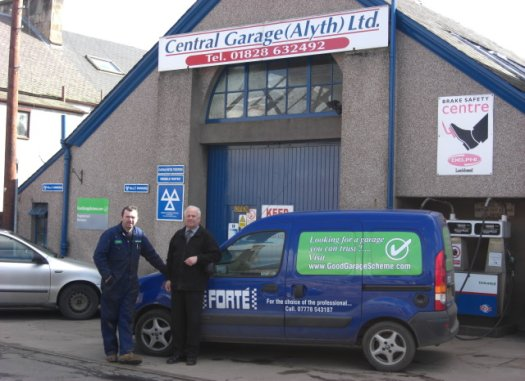 Repairs at the Central Garage, Alyth